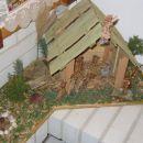Doma izdelane jaslice iz naravnih materialov.