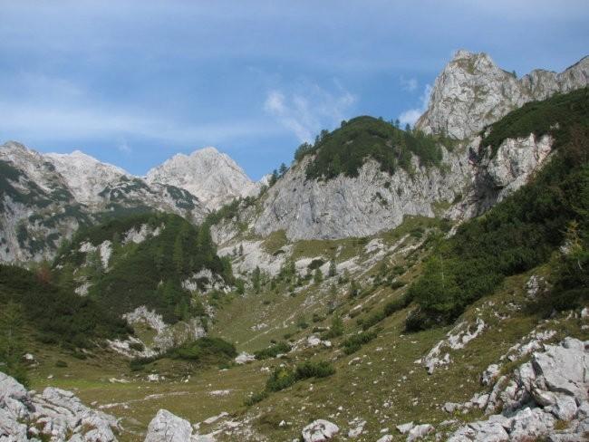 (Ne)davno tega je bila planina Jezerce središče Fužinskega raja ...