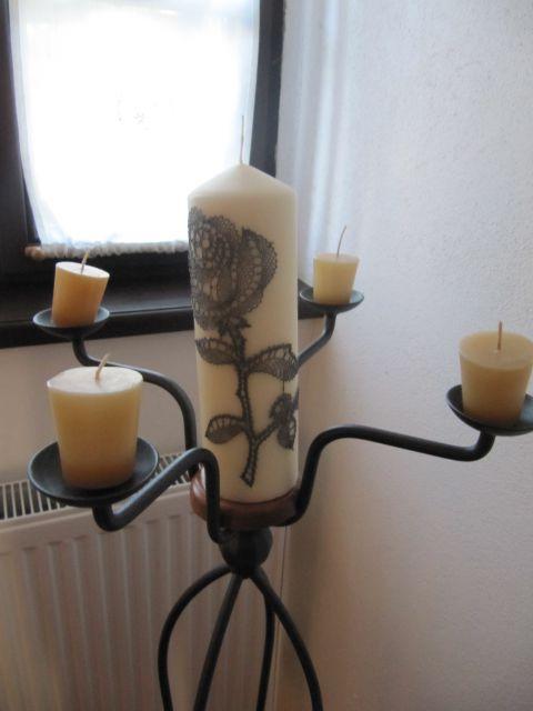 Svečnik in čipka