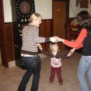 Lepotice plešejo.