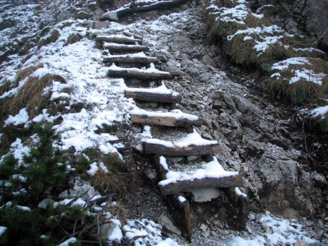 Prvi sneg, nekje med 1600 in 1700 metri nadmorske višine