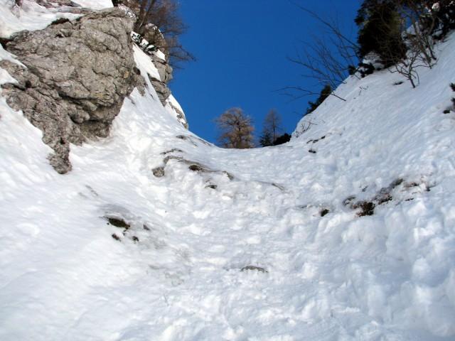 Eden redkih pomrznjenih delov. Vsaj malo plezanja.  :)
