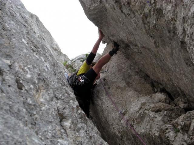 Plezanje skozi kamin.