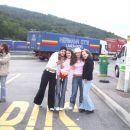 ko smo se ustavli je biu cajt za slikat se.... na sliki smo 4 d'best punce iz 8.b=P