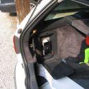 Odprti prostori, Levo se vidi doma narejena vtičnica za 12V, ker je volvo nima v prtljažni