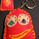 obesek za ključe - mini hug, visok 6 cm (drugi so bolj okrog 10 ali več)
