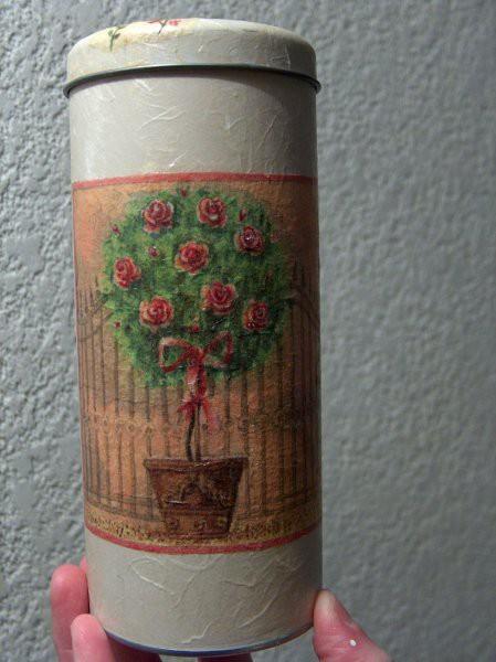 doza za kavo; rižev papir in servetek, 3D medij na cvetkih