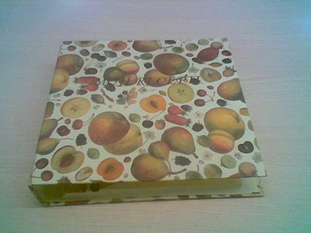 Fascikel v škatli A5 formata Moji recepti- Ima vloženih že nekaj listov in pregrad