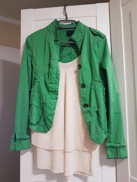 Desigual jaknica, vel.34, več nošena a ohranjena