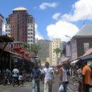 Glavno mesto Port Luis....