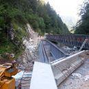 Nosilni element za most čez reko Kokro.