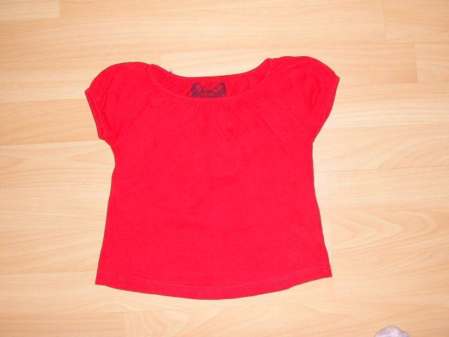 Majčkah&m v 92 cena 1,50 eur lepo rdeče barve