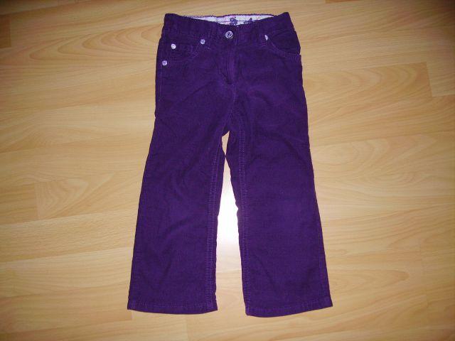 žamet tanjši hlače 92 cena 3,50 eur vijolčna barva