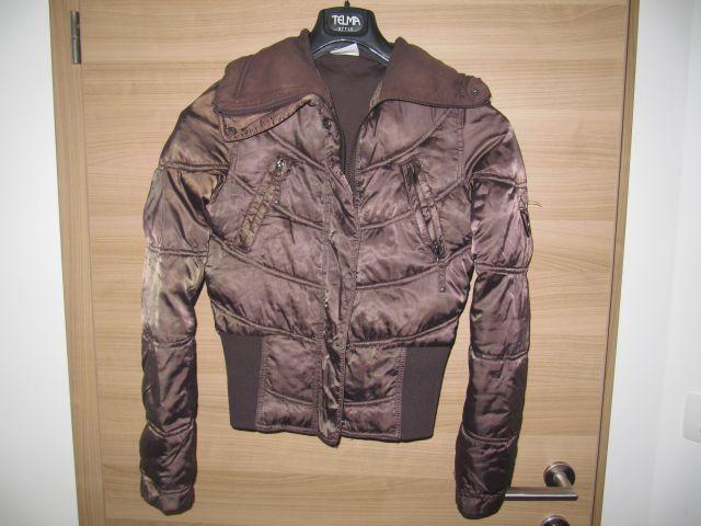 Ženska bunda; rjavo-bronasta ; cena 5 e; št. 36