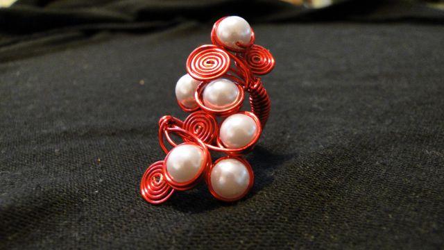 Prstani iz žice in perlic - foto