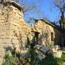 obnovljena hiša v vasici Abitanti