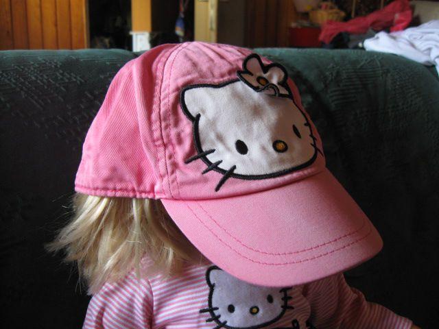 Kapa Hello Kitty s šiltom, 51cm, 3 - 6 let, 1,5€
