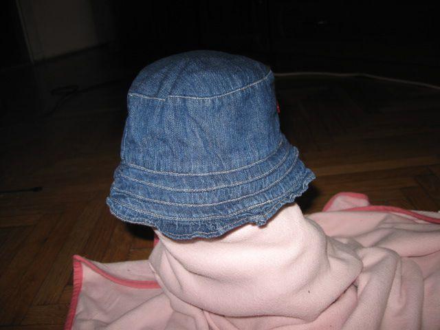 Podložen jeans klobuk H&M 4-6 mesecev, vel.68, 2,5€