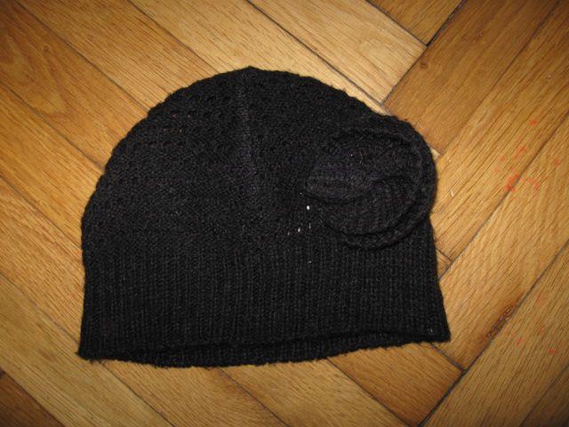 črna prehodna kapa za 2/3 leta ( obseg 52cm), 1,5€