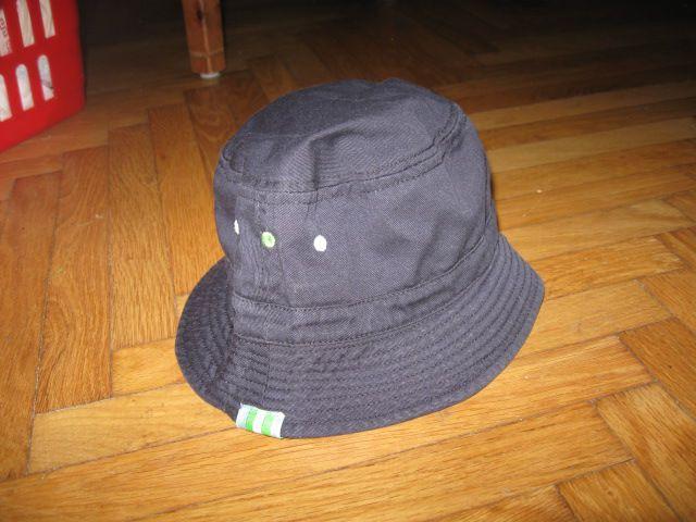 temno moder klobuk za vel.50 (obseg glave), 2,5€
