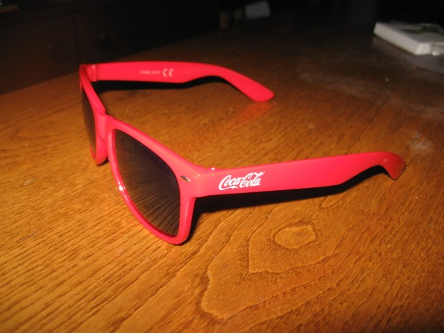 Nerabljena sončna  očala Cocal cola, 2,5€