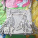 siva torbica iz skaja z resicami, 2€