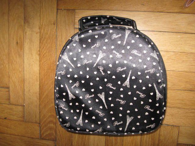 srednje velika toaletna torbica, 3€