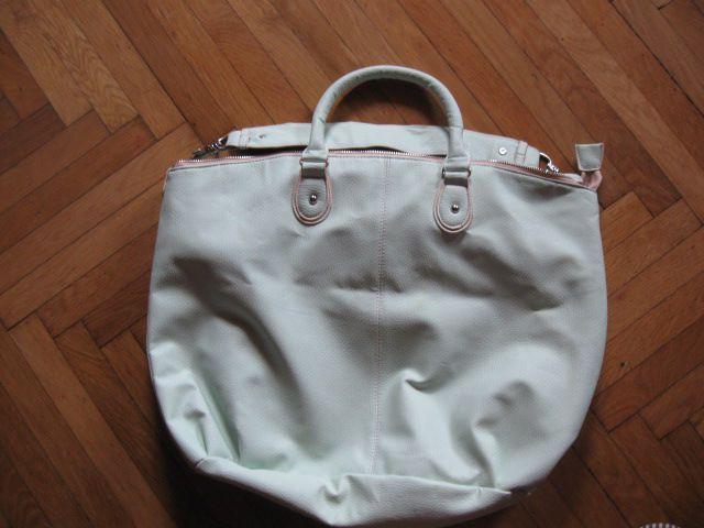 Velika nežno zelena torba, 5€, nova cena 4€