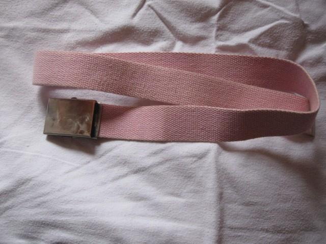 pas roza barve, 1€