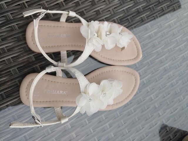 Sandali 33-34, 5€