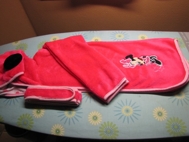 Kopalni plašči, pižame deklica - dodano 25.8. - foto