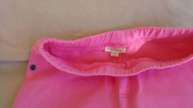 OVS hlače 92 + 2xHM majčki 2-4, 6€ komplet