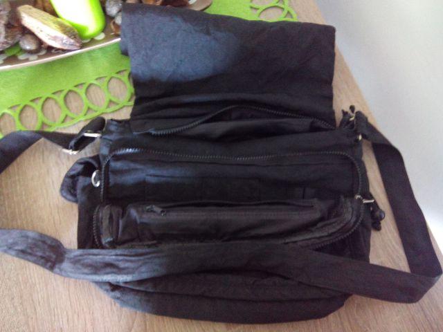 Črna torba za čez ramo