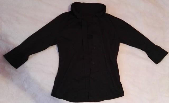 Črna bluzica za XS in S.