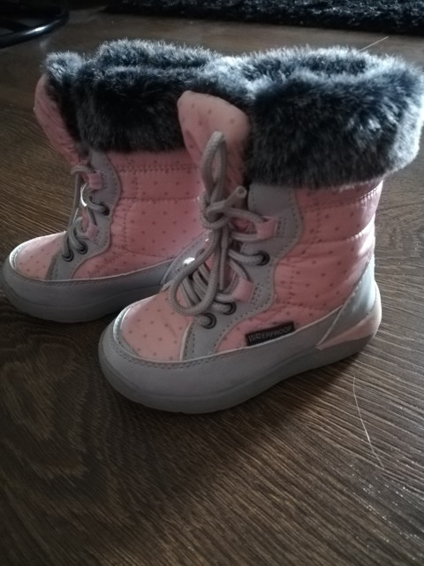 Škornji 22. Št - foto