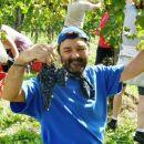 ...in evo, lep grozd je pripravljen, da ga vržeš v kišto