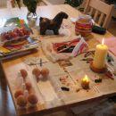 Barvanje pirhov leta 2004 - voščenke segrete nad svečo