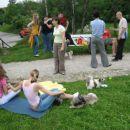no pa še malo dvonožnih udeležencev piknika