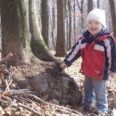 ja , ja, ja ...spet smo bli v gozdu... in spet smo okoli dreves brskali...in spet se zabav