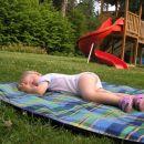 ja ko je Kaja utrujena, pa res zaspi kjerkoli:)