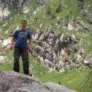 Gregor na balvanu ob Krnskem jezeru