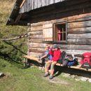 počitek ob koči na Jenkovi planini