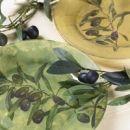 5.Vzorec je lepo viden na zgornji strani krožnika, ki daje vtis poslikanega porcelana.
