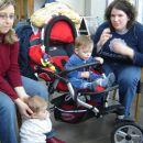 Mala Maja z mamico ter Pi@ in njen Bor