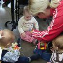 tetka A girl se igra z mulčki ;)