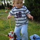 S Tomijem greva na sprehod ;)