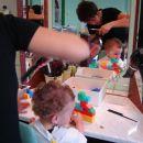 Prvi obisk pri frizerju - uživancija ;)