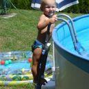 Tu pa je malo več vode kot v mojem bazenčku
