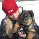 Dolly - ful prikupna psička, bi jo kar s sabo domov odpeljala ;)
