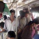 Vožnja z lokalnimi avtobusi ni najbolj udobna, zagotovo pa je doživetje posebne vrste.